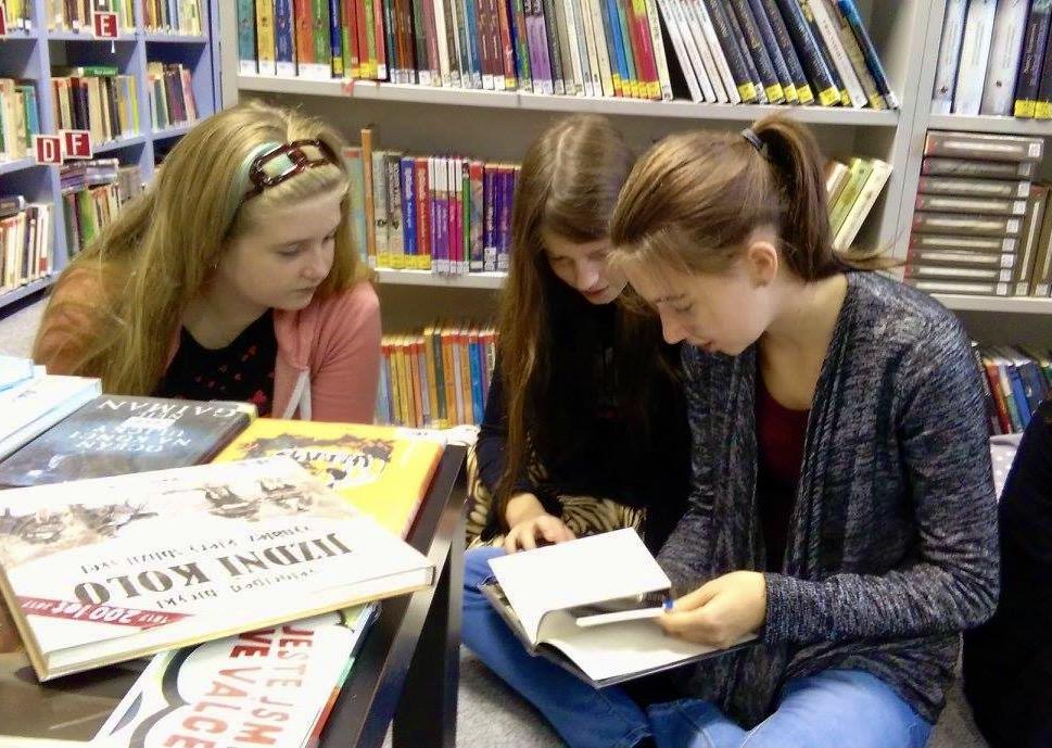 Práce sknihou není nuda: Sknížkami vknihovně 🔒